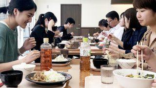 みんなで一緒にお昼ごはんを食べました!