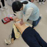 歯科衛生科2年生 AED(自動体外式除細動器)実習